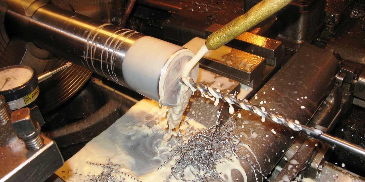 применение сож при сверлении металла